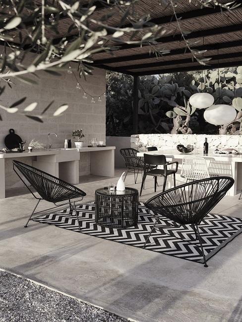 Luxusní-zahrada-s-venkovní-kuchyní-12
