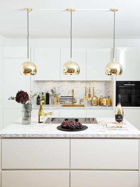 Mramorová deska v kuchyni