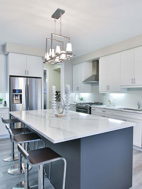 Luxusní-bílá-kuchyně