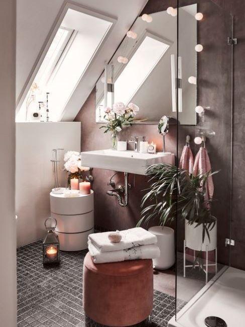 Malá-koupelna-v-podkroví