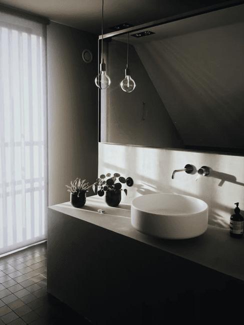 Moderní-koupelna-v-podkroví