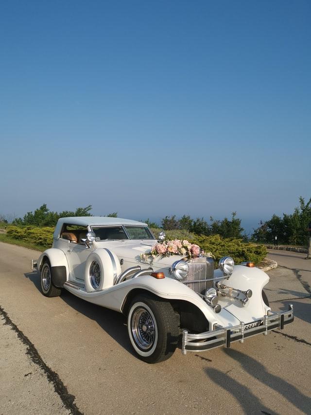 Svatební dekorace na auto
