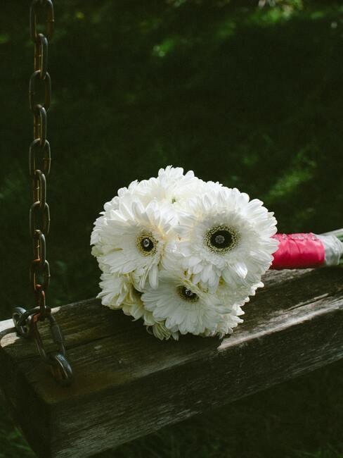 Rustikální houpačka