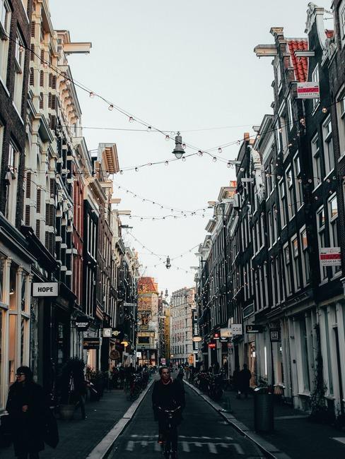 Kam v Amsterdamu