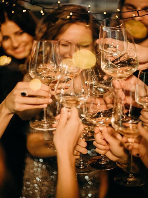 Jak uspořádat tajnou oslavu narozenin
