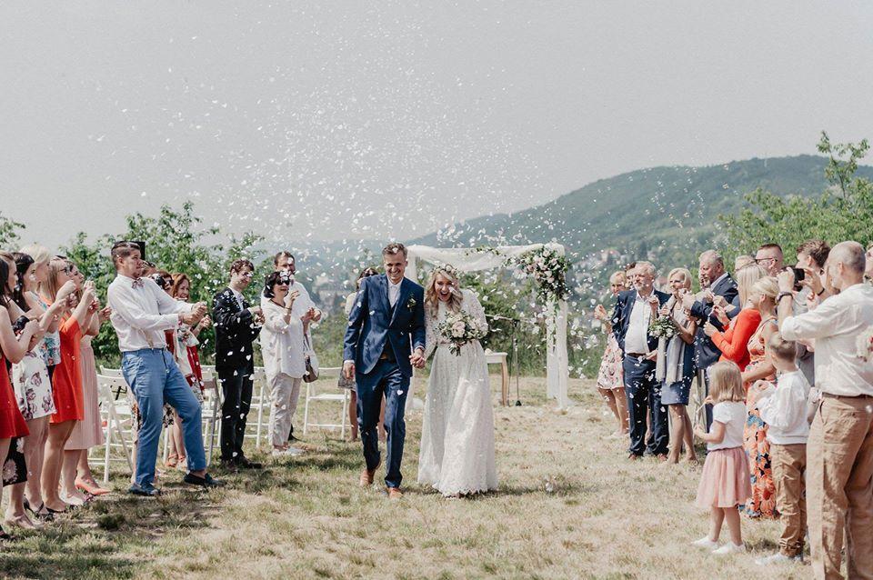 1. Svatba pod širákem v Berouně