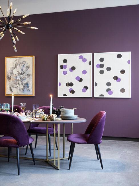 Fialová barva v kuchyni nebo jídelně