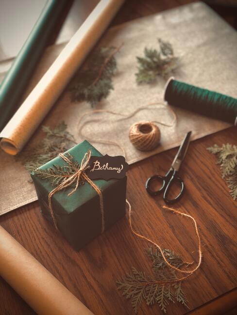Které barvy a materiály použít při balení vánočních dárků2