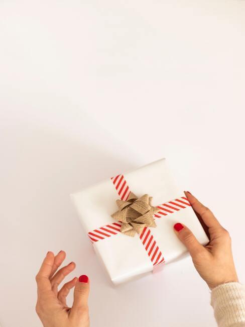 Které barvy a materiály použít při balení vánočních dárků4