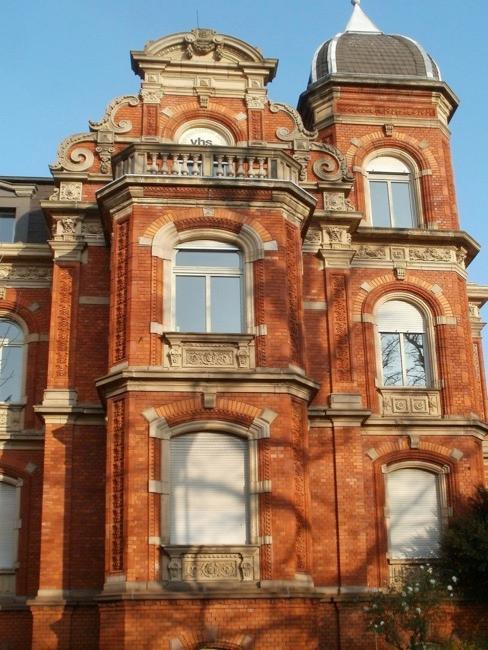 façade de style anglais avec briques rouges, Backstein-Villa
