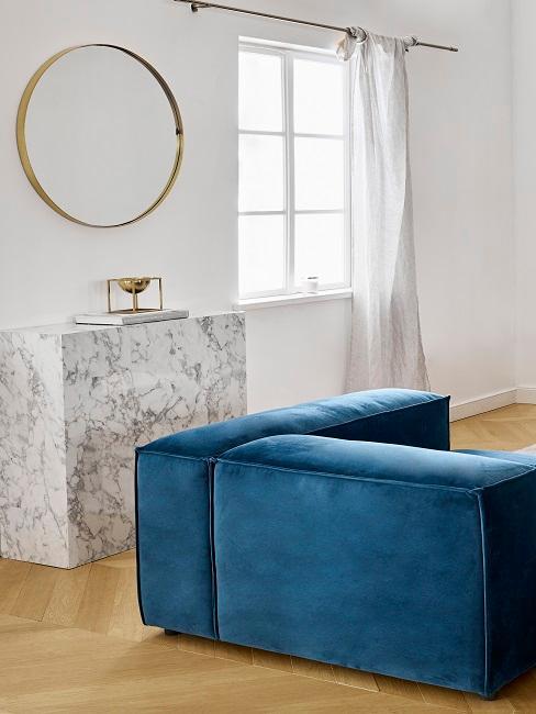 Sideboard in geometrischer Form im Wohnzimmer