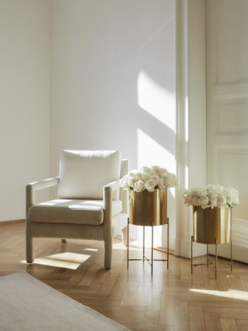 New Heritage Sessel mit Übertöpfen und Teppich