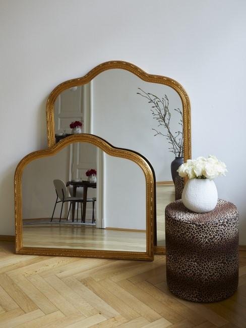 New Heritage Spiegel, Pouf und Vase