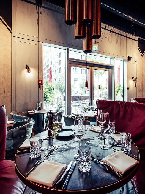 Restaurant La Bohème mit schönen Servietten und Tischgedeck als Essbereich Deko