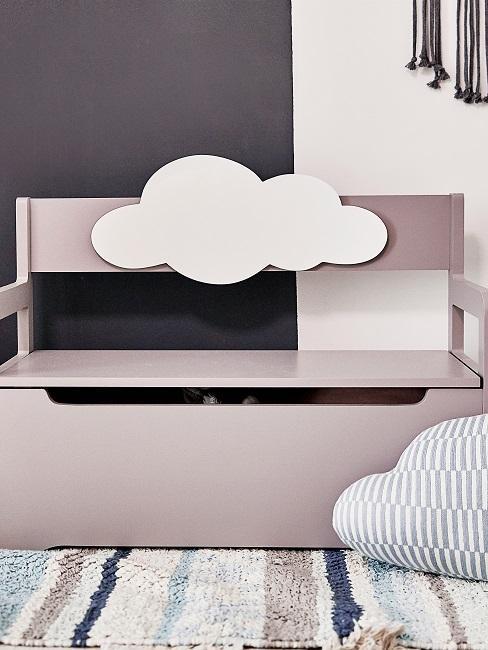 Rosa Bank im Kinderzimmer mit Wolke