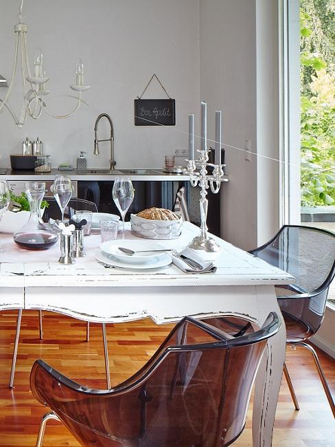 Stilmix Esszimmer Modern Stühle und Shabby Esstisch