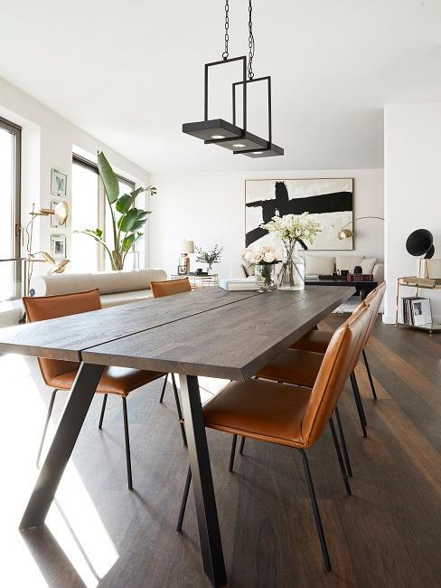 Industrial Style Esszimmer Lederstühle und Esstisch aus dunklem Holz