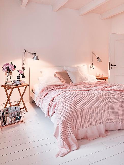 Rosafarbenes Schlafzimmer