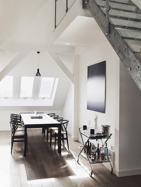 Designer Esszimmer in schwarz-weiß