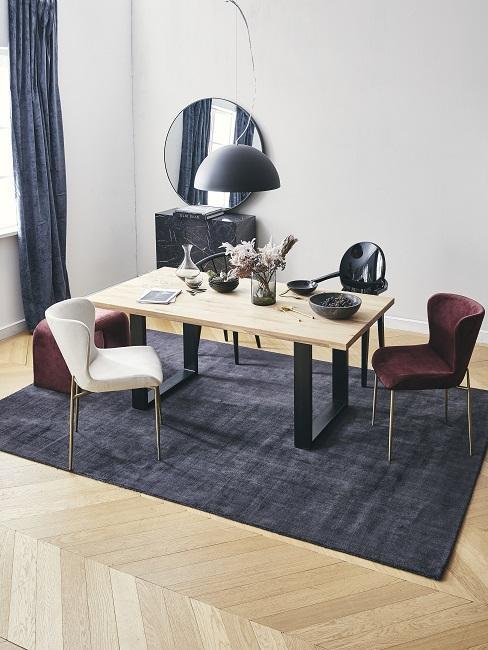 Designer Esszimmer im Scandi Chic in dunklen Farben