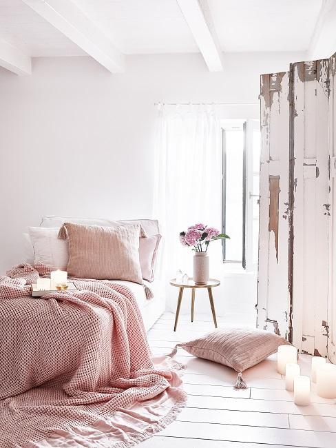 Schönes Schlafzimmer in Rosa