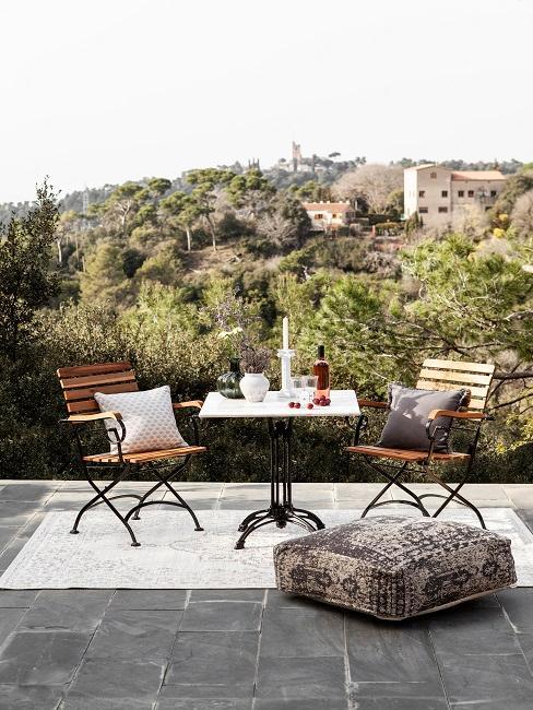Mediterrane Terrasse Teppich Möbel Bodenkissen