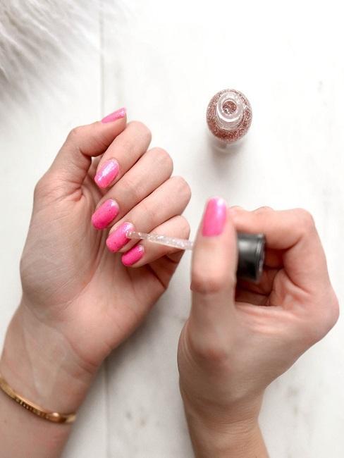 Beauty Tag Hand Nägel Nagellack Experiment