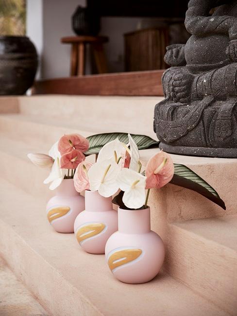 Drei Vasen mit Muster