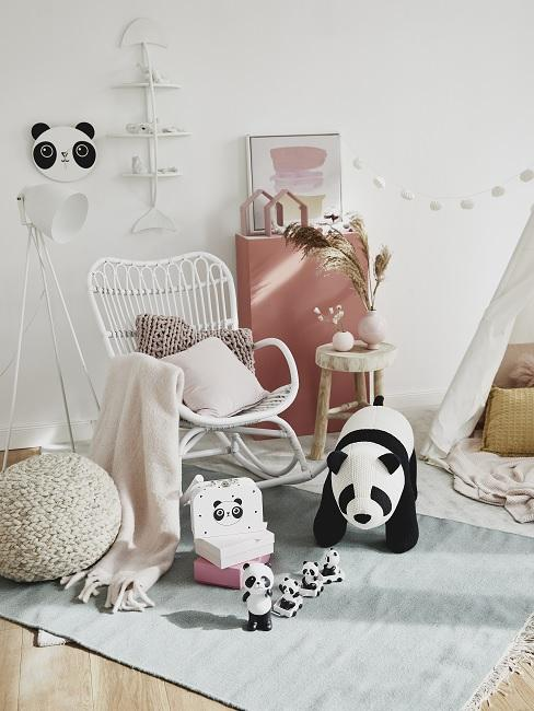 Spielzimmer einrichten mit Möbeln, Deko und Tipi