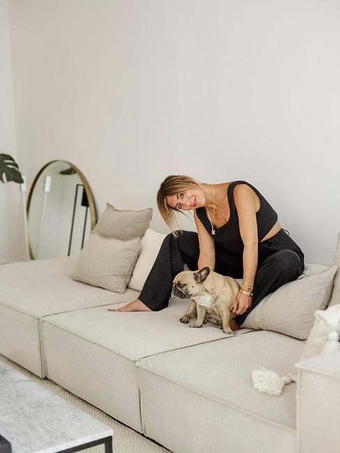 Aylin König Wohnzimmer Sofa Hund