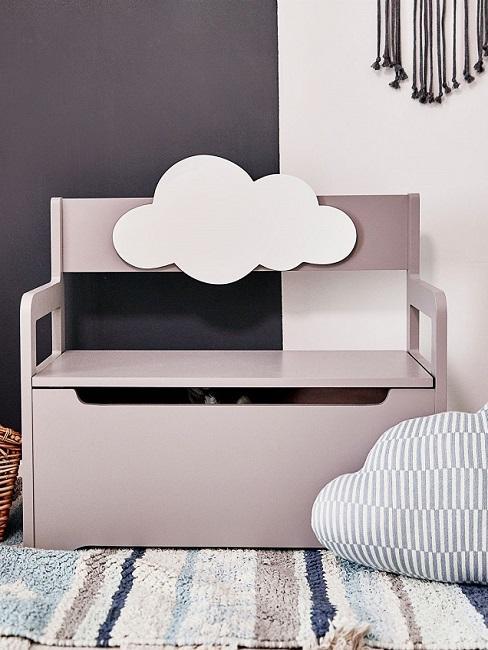 Graue Sitzbank für Kinder mit Wolkenmotiv