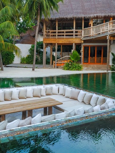 Soneva Fushi Malediven Resort Villa Außenansicht Pool