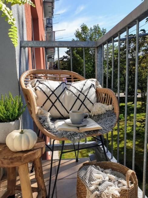 Herbstdeko für draußen auf dem Balkon