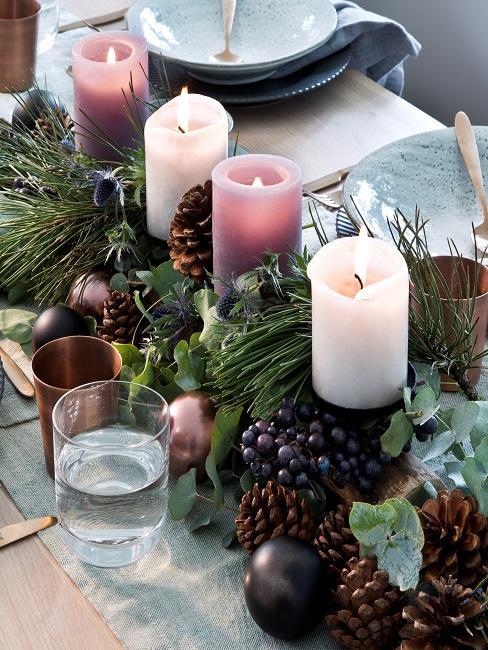 Adventskranz mit Kerzen