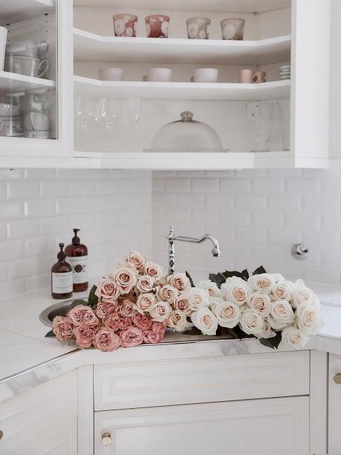 Rosen in Küche