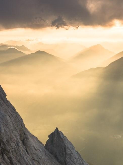 Zugspitze Bayern mit Nebel