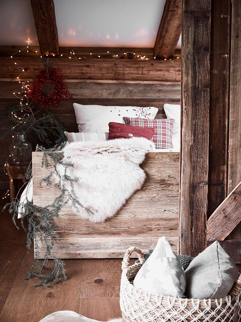Luxus Chalet Stil Schlafzimmer Holz Decken Kissen