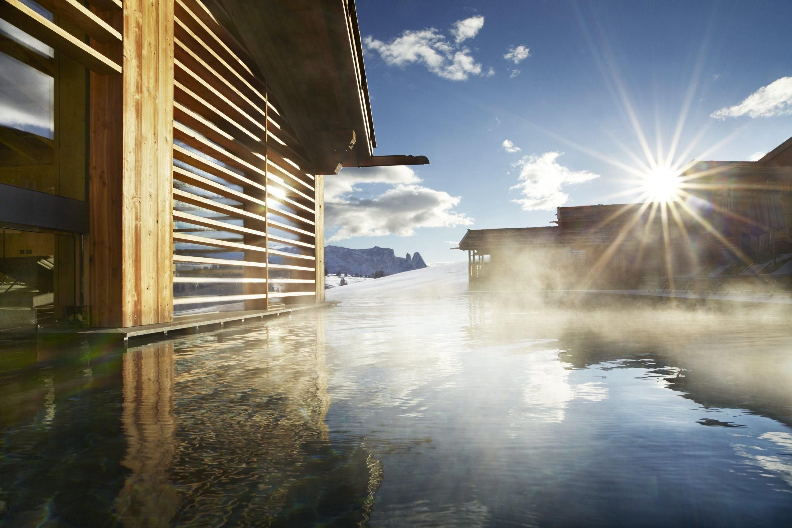 Luxus Chalet Stil Adler Ressorts Pool Wellness