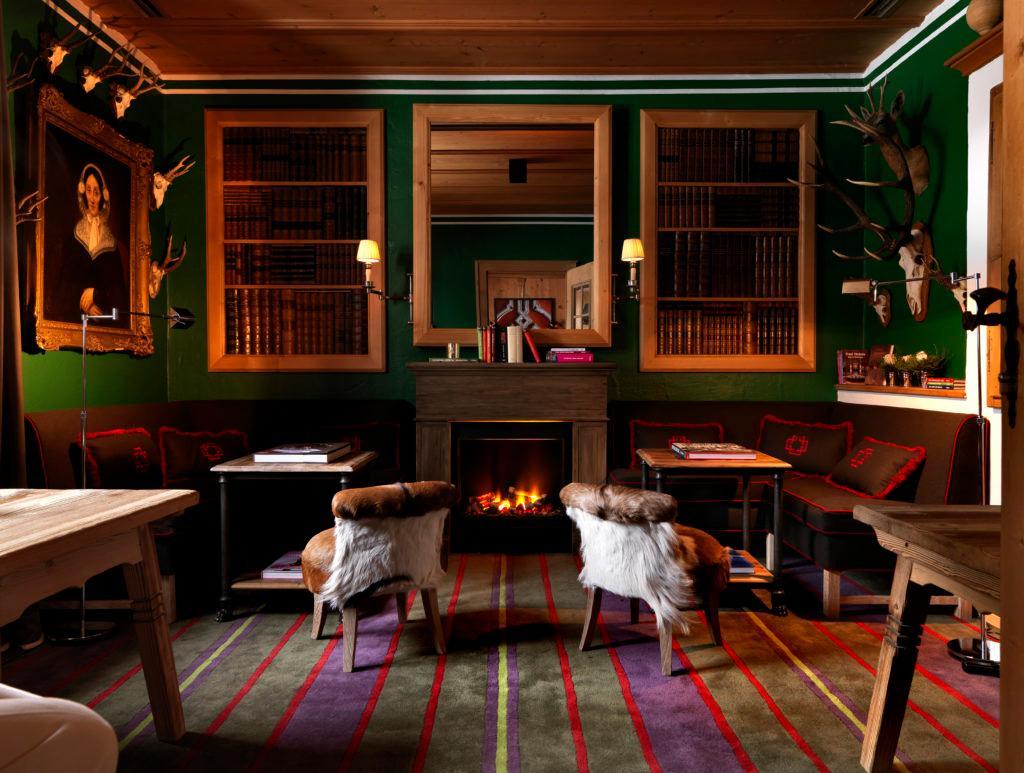 Wachtelhof Luxus Chalet Stil Sitzecke Kamin Holz