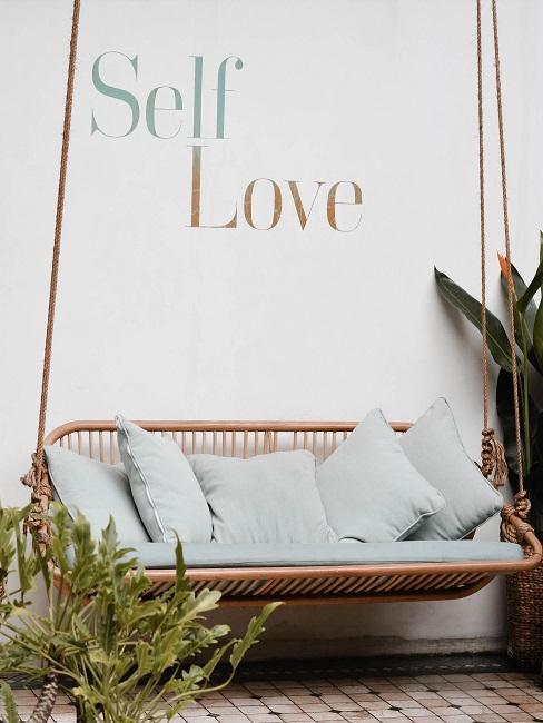self care Bank Schriftzug