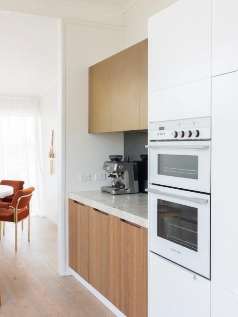 Mikrowelle reinigen in Küche