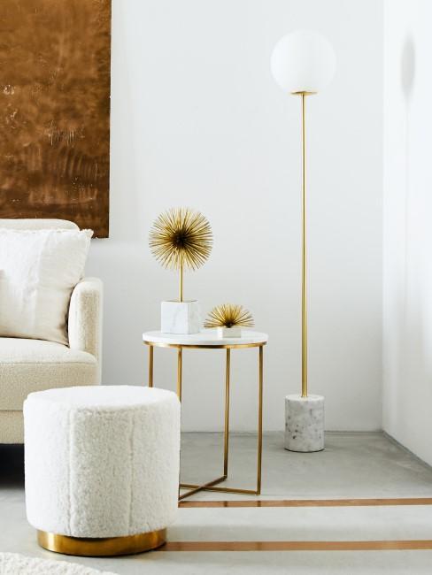 Marmor Lampe im hellen Wohnzimmer