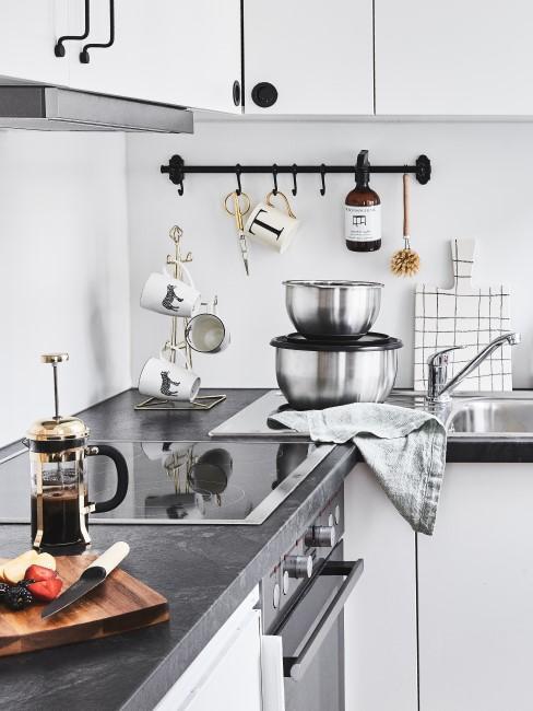 Header Küche putzen