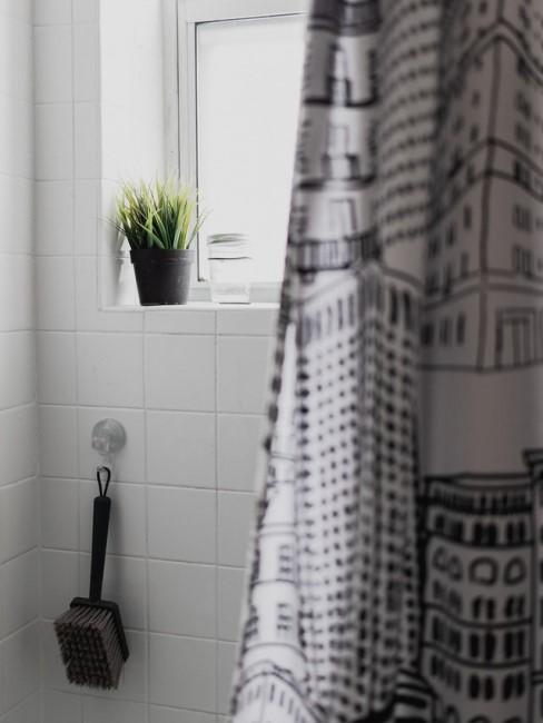 Duschvorhang waschen mit Mustern