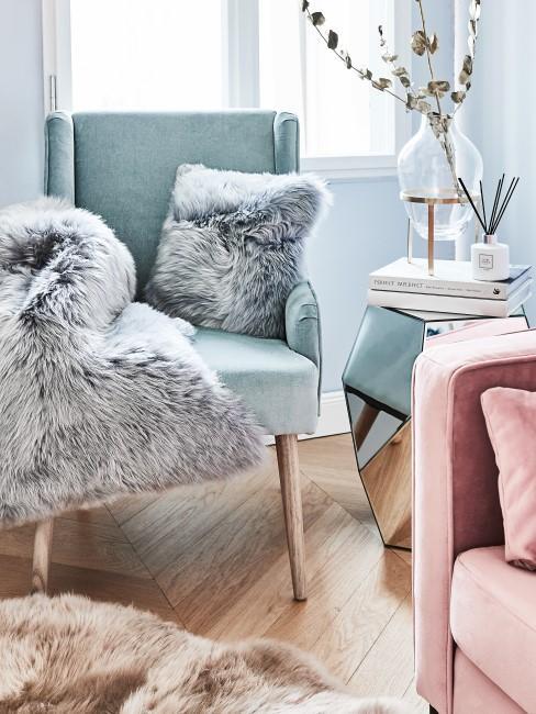 Sessel reinigen mit Fell darauf