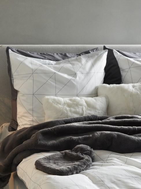 Bettwäsche mit Karo-Muster mit Fellkissen