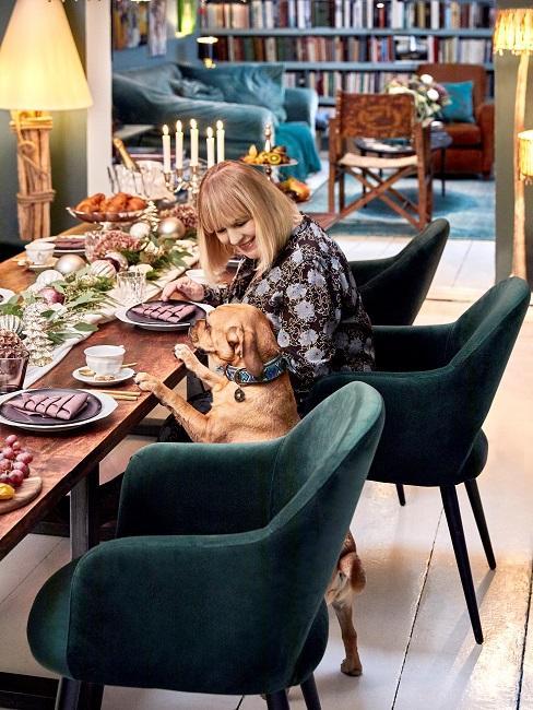 Patricia Riekel Weihnachtsbrunch Esstisch Hund