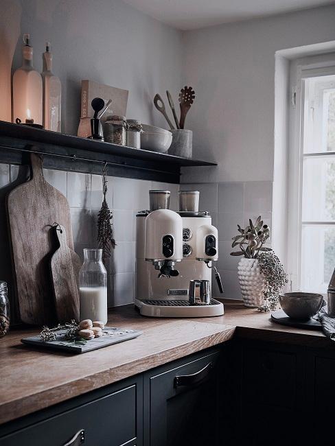 Kaffeeecke in einer kleinen Küche