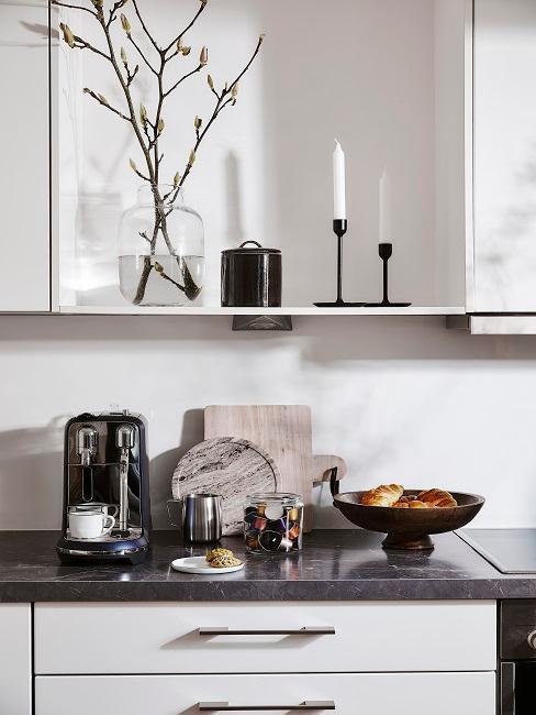 Kleine Küche mit Stauraum
