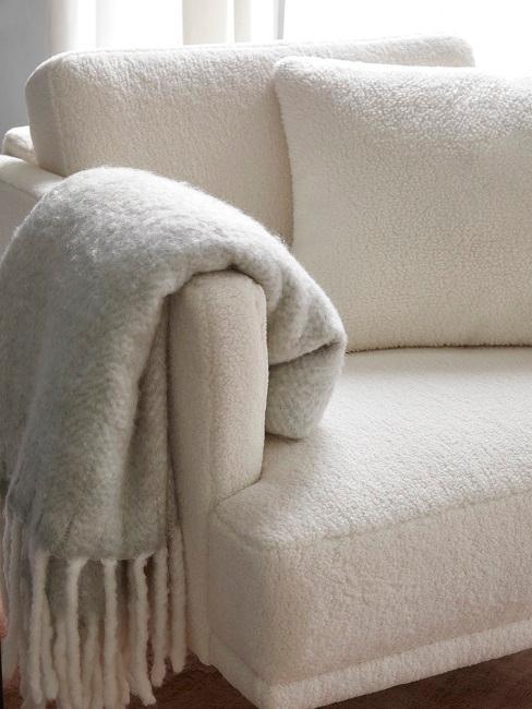 Sessel in Weiß bei Sebastian Schmidt